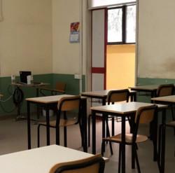 Scuola, studenti tra i banchi il 14 settembre. Molti dubbi e tanta voglia di normalità